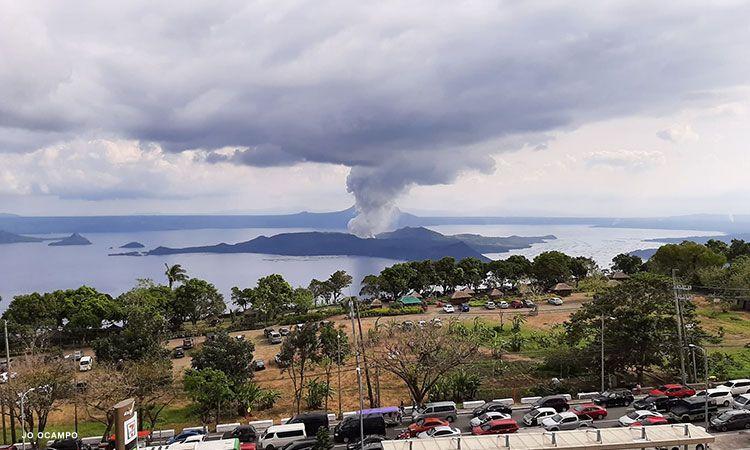 Taal-Volcano-eruption_CNNPH.jpg